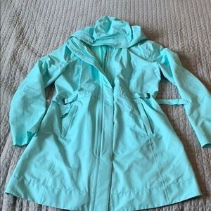 Lululemon rain coat - light fabric - barely worn
